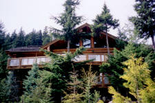 Multi-million dollar views from this 5 bedroom log home chalet on Blueberry Hill